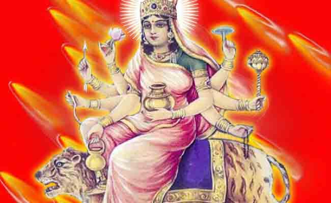 Navratri 2017: नवरात्रि के चौथे दिन होती है कूष्माण्डा देवी की आराधना, अष्टभुजा देवी के रुप में हैं पूजित