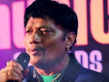 Labh Janjua Had Bollywood <i>Thumakda</i> With His Songs