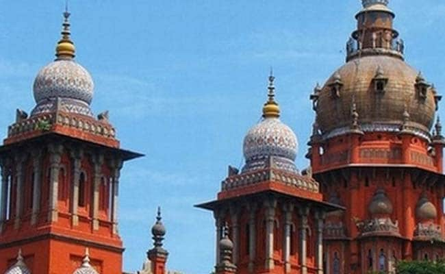 Madras High Court Notice To Government On Retaining Certificates Of PG Medical Students