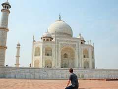 भारत दौरे पर आते ही ताजमहल देखने पहुंचे जुकरबर्ग, Facebook पर बताया - 'उम्मीद से ज्यादा सुंदर'