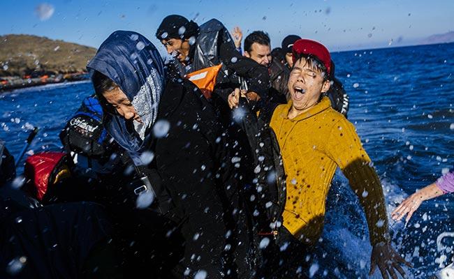 तुर्की : नौका डूबने से यूरोप जा रहे 12 शरणार्थियों की मौत