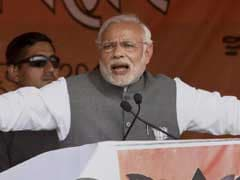PM Narendra Modi Hits Out at 'Grand Alliance': 'If I Am Bahaari, What is Sonia Gandhi?'