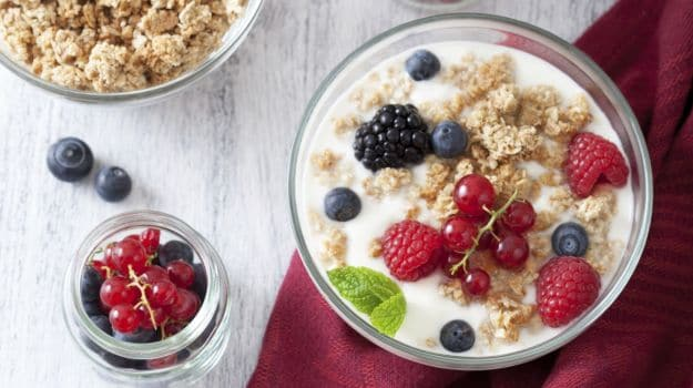 9 Amazing Benefits of Oats: Does a Bowl of Oatmeal a Day, Keep Diseases at Bay?