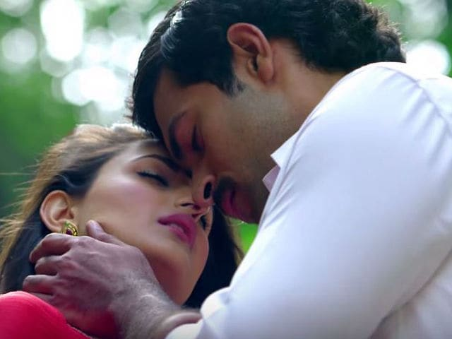 Why Pragya Was 'Scared' to Slap Varun Tej For a Scene in Kanche