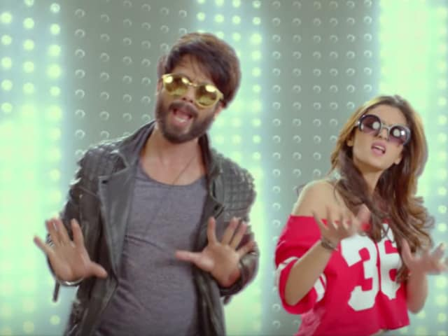 Shahid, Alia Make Everyone Dance Like Crazy in New Shaandaar Song