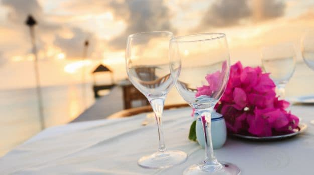 10 Best Restaurants For A Romantic Candle Light Dinner In