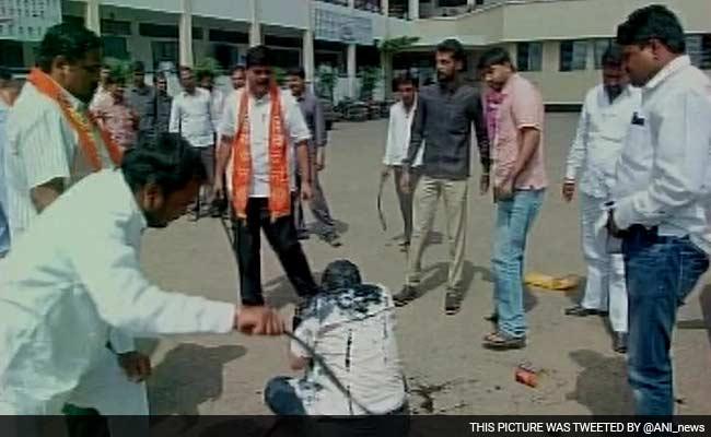Shiv Sena Workers Attack RTI Activist With Iron Rod, Blacken His Face