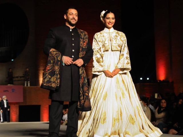 Salman Khan, Sonam Kapoor Walk the Ramp at IIM Ahmedabad