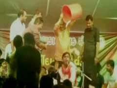 In Video, BJP Leader Seen Showering Money on Singer in Gujarat