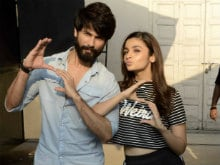When Shahid Kapoor Returned the Favour to Alia Bhatt. It Was <I>Shaandaar</i>