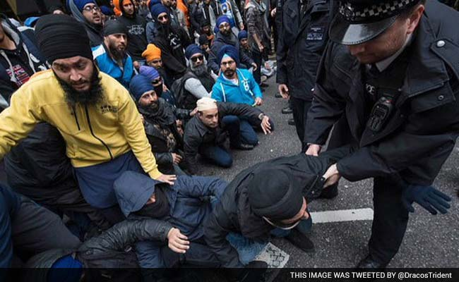 Police Apologise to Sikhs Over Conduct at London Protest