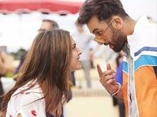 Ranbir Kapoor, Deepika Padukone's <i>Matargashti</i> in First <i>Tamasha</i> Song