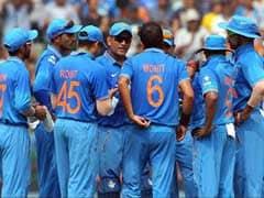 टीम इंडिया को ये क्या हो गया, पानी की बाल्टी में गेंद डुबो कर हो रही है प्रैक्टिस