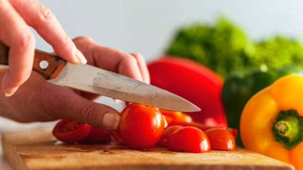 Unwashed Knife and Grater Can Spread Bacteria Between Foods