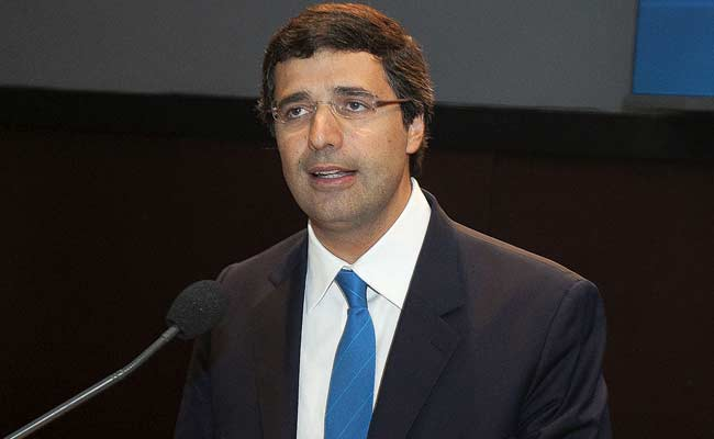 Arrested Brazilian Billionaire Resigns as Head of Investment Bank