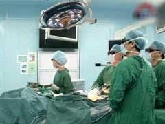 नोएडा : डॉक्टरों ने बच्चे की रीढ़ से निकाला एक फुट लंबा ट्यूमर