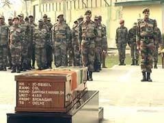 कुपवाड़ा में आतंकियों से लड़ते शहीद हुए कर्नल संतोष को सेना ने पुष्पांजलि अर्पित की