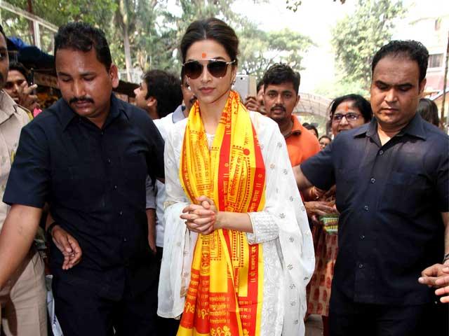 'Yes', Deepika Padukone Prayed for Ranbir Kapoor at Siddhivinayak Temple