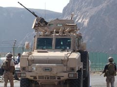 Coalition Armoured Vehicles Sent to Yemen Loyalists in Key City