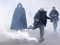 French Police Clash With Protesters in Paris Ahead of Climate Change Summit