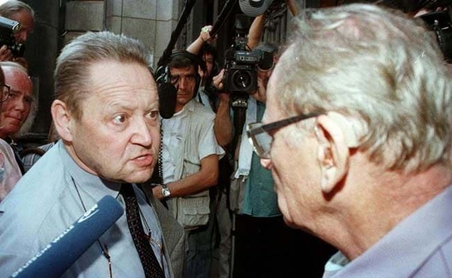 Guenther Schabowski, Man Who Accidentally Opened Berlin Wall, Dies at 86