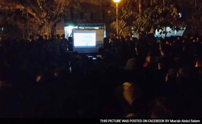 Defying Directive, Students Screen Beef Documentary at Delhi's JNU