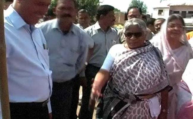 मध्य प्रदेश की मंत्री ने 14 साल के बच्चे को मारी लात, घटना कैमरे में कैद