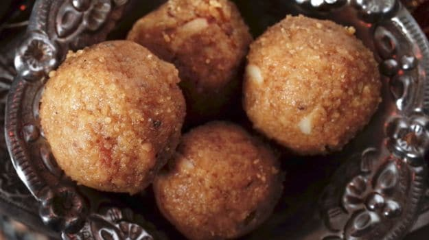 Gondh Ka Laddoo (Laddu): Why Indian Mothers Are Served This High-Calorie Ladoo Post-Pregnancy
