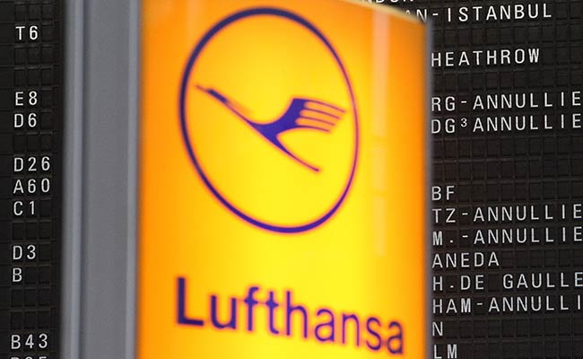 Lufthansa, German Government Agree On .8 Billion Rescue Package: Report