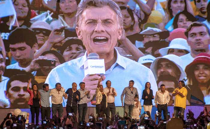 Argentina Elects Pro-Business Mauricio Macri After 12 Years of Kirchner Rule
