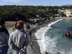 ग्रीस की तरफ जा रही दो नौकाएं डूबी, 44 लोगों की मौत