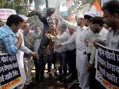 Congress Workers Burn Nathuram Godse's Effigy in Thane