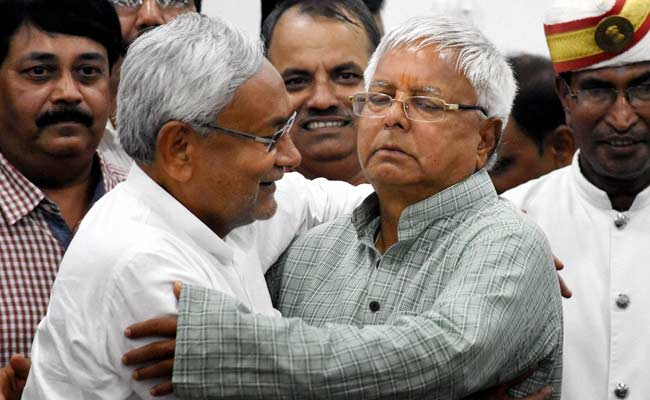 'He Can Get Me Shot...': Nitish Kumar Laughs Off Lalu Yadav's Poll Dare