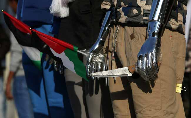 Knife Attack on Israeli Soldier, Palestinian Assailant Killed: Police