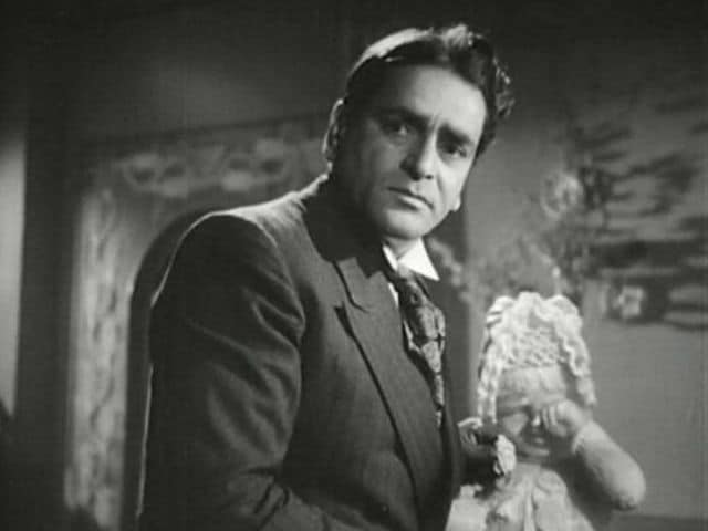You Can Thank Rishi Kapoor For These Amazing Pics of Prithviraj Kapoor
