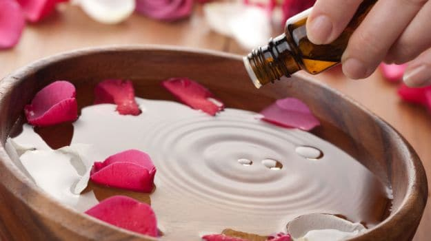 10 Rose Water Benefits: From Antioxidants To Anti-Aging - NDTV Food