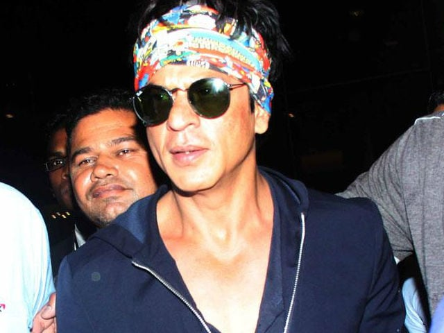 Shah Rukh Khan is an Icon, #IStandWithSRK, Tweets Film Fraternity