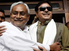 'Dear Friend Nitish Kumar': Shatrughan Sinha Tweets SOS For Flood Victims
