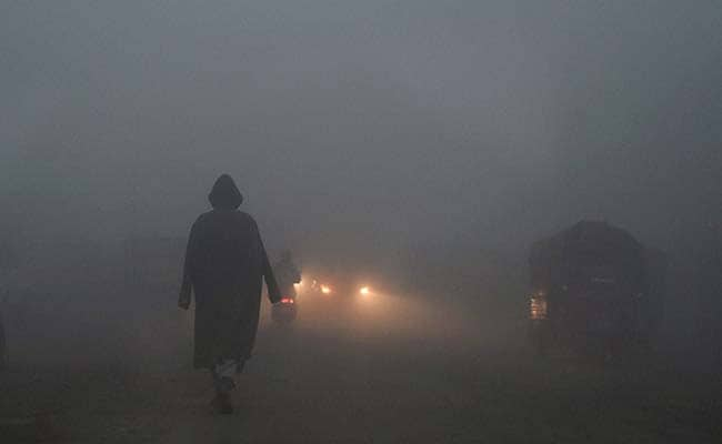 Srinagar Records Coldest Night So Far, It's Freezing in Kashmir