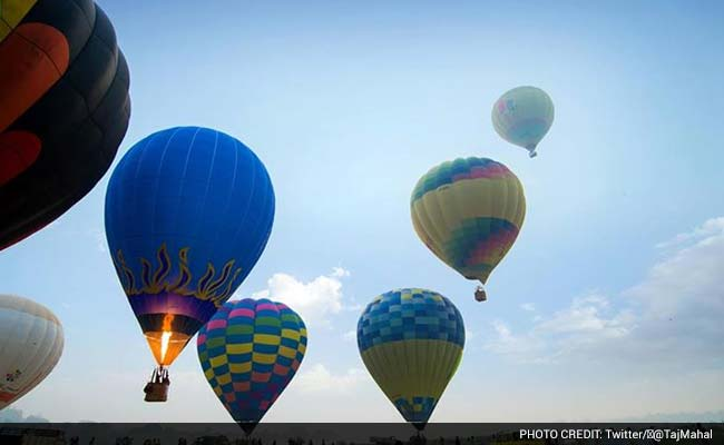 Hot Air Ballooning Adds New Perspective to Taj Viewing