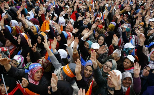 Campaigning Wraps up for Critical Turkey Vote