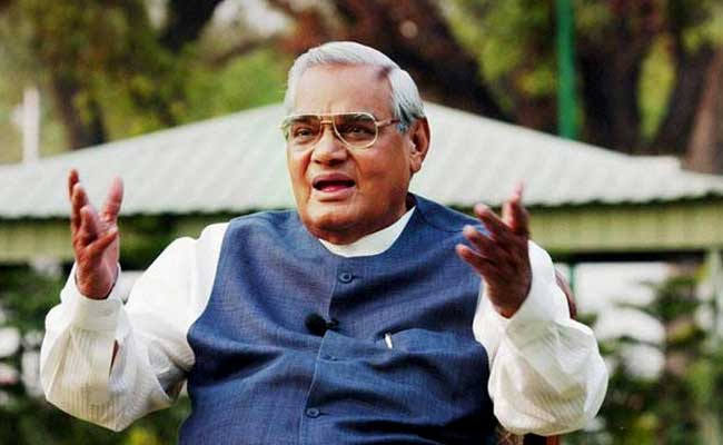 Atal Bihari Vajpayee Turns 93, Prime Minister Narendra Modi Wishes The 'Visionary' Leader