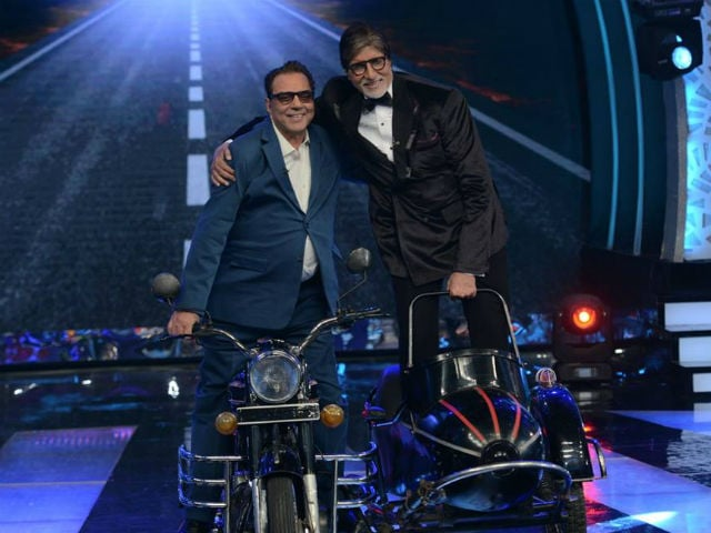 Amitabh Bachchan Wishes Sholay Co-Star Dharmendra as he Turns 80