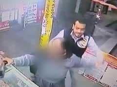 कैमरे में कैद : चंडीगढ़ में एक बुज़ुर्ग दंपत्ति पर खुलेआम हमला, लगातार थप्पड़ मारे गए