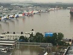 PICS : चेन्नई में बारिश का कहर : घर घर से मिल रही है राहत, घर घर में मची है आफत