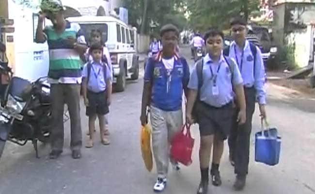 दिल्ली सरकार का 300 प्राइवेट स्कूलों को फीस ना बढ़ाने का निर्देश