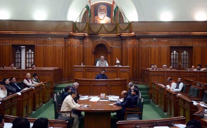 निधि का नोट : दिल्ली के विधायक आम आदमी से बन गए खासम खास