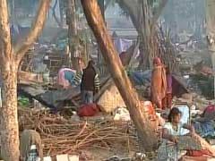 दिल्ली : रेलवे के अतिक्रमण हटाने के दौरान बच्ची की मौत, केजरीवाल ने 3 अधिकारी सस्पेंड किए