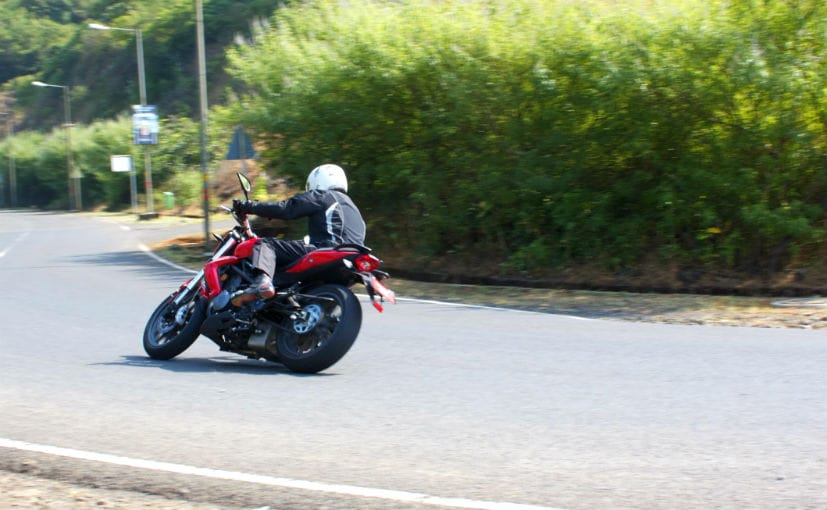 DSK Benelli TNT 300 Ride and Handling