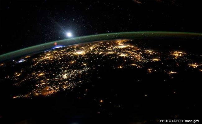 2015 : नासा ने पृथ्वी की इन तस्वीरों को खींचा और हम बस देखते रह गए!